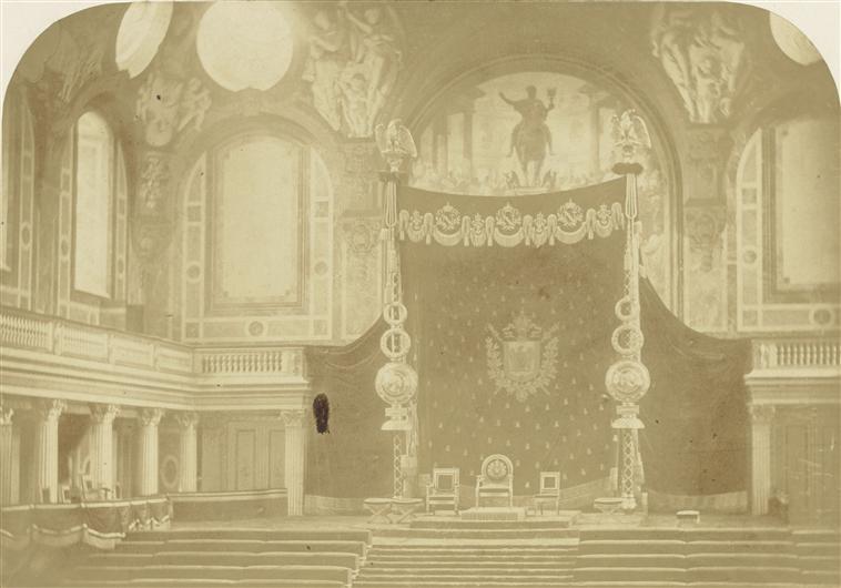 Exposition « Trônes en majesté, l'autorité et son symbole » - Page 7 08-50510