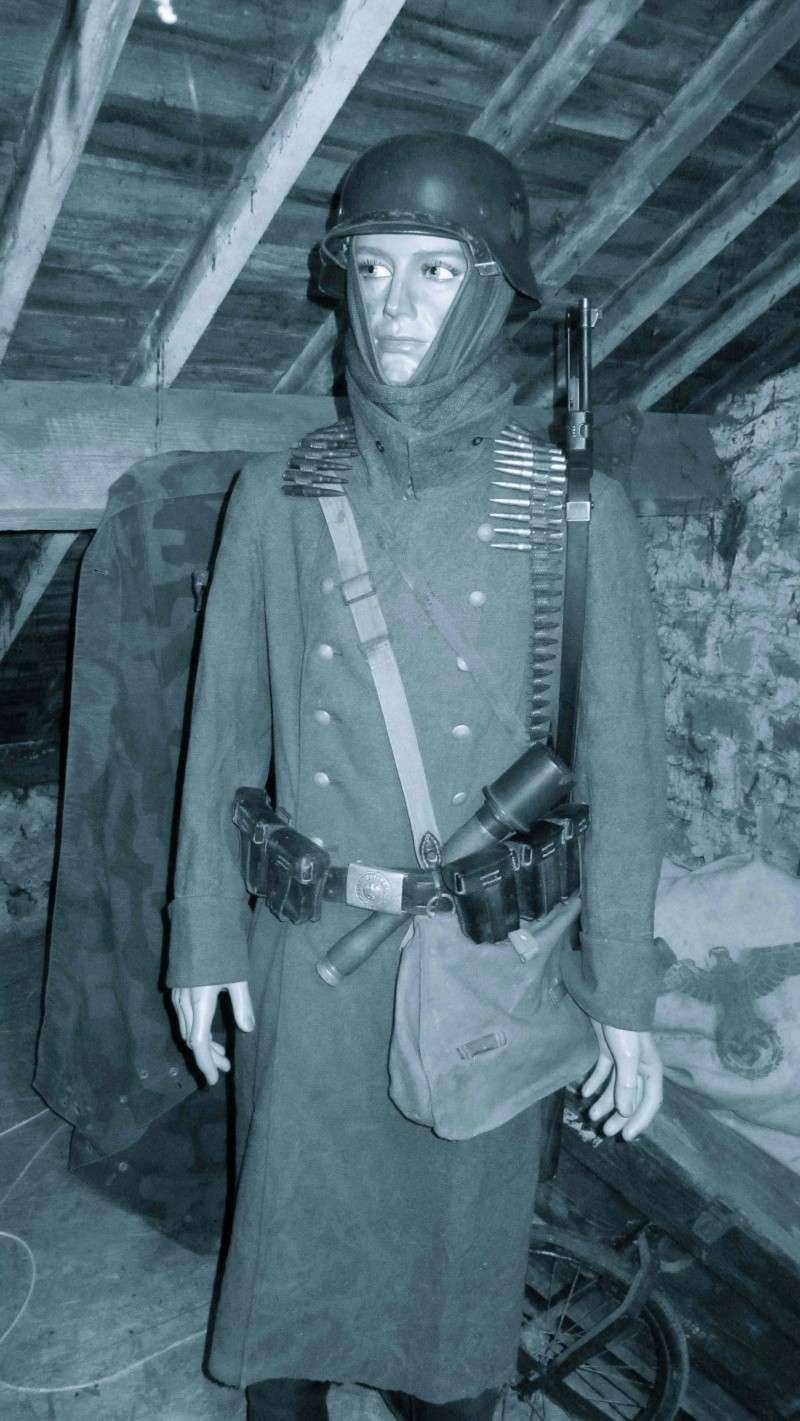 Vos mannequins Allemands de la WW2 - Page 5 Img_1228
