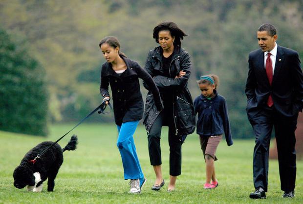 Знаменитости и собаки (фото). Obama-10