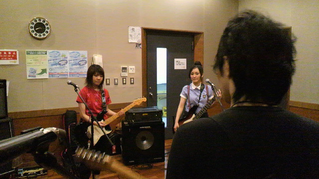 Natsumi is in a new band! O0640020