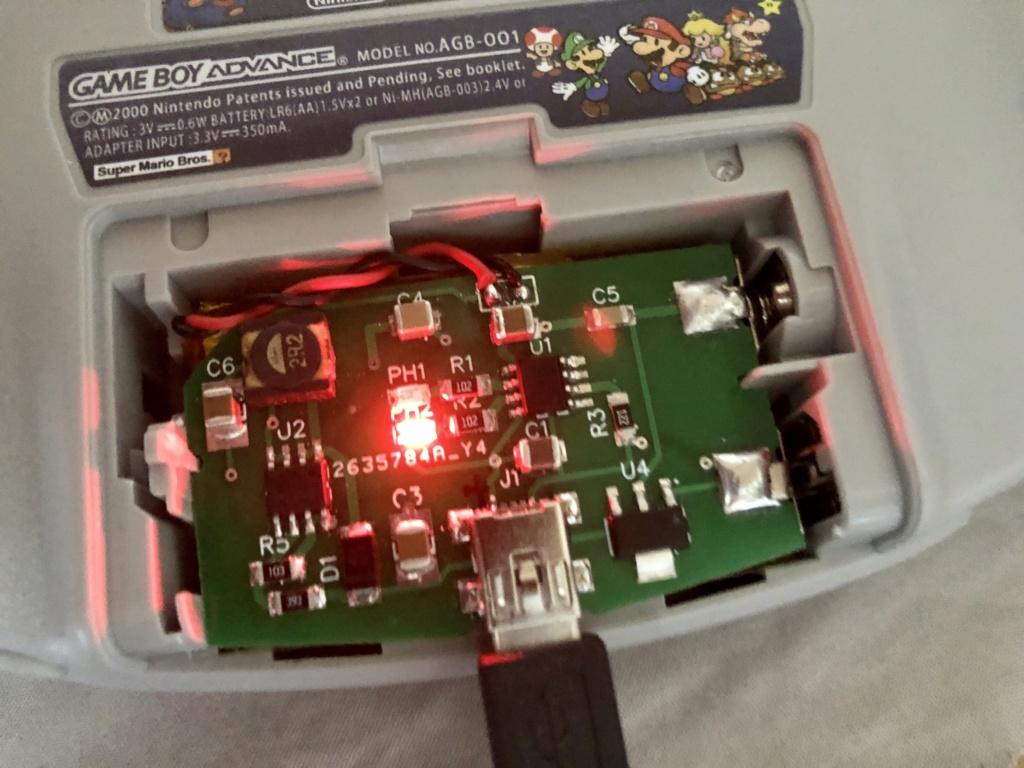 Premier Prototype Batterie GBA Fonctionnelle E4070a10