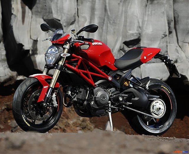 Street Triple 2013 Ducati11