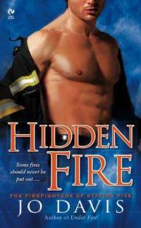 Les Combattants du Feu - Tome 1 : L'épreuve des flammes - Jo Davis - Page 2 Hidden10