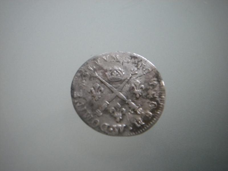 louis xiv 5 sols aux insignes 1702W surfrappée ?????? Dscn4715