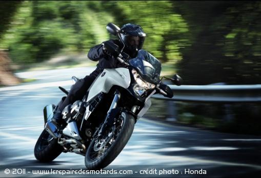Nouveauté 2012 : Honda Crosstourer 1200  Honda-11