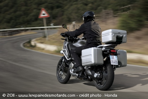 Nouveauté 2012 : Honda Crosstourer 1200  Honda-13