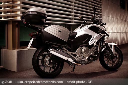 Essai Honda NC 700 X / Chameau transgénique  Honda-16