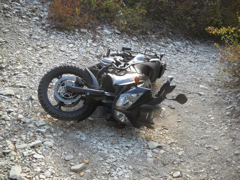 CRASH BAR OFF THE ROAD Img04113