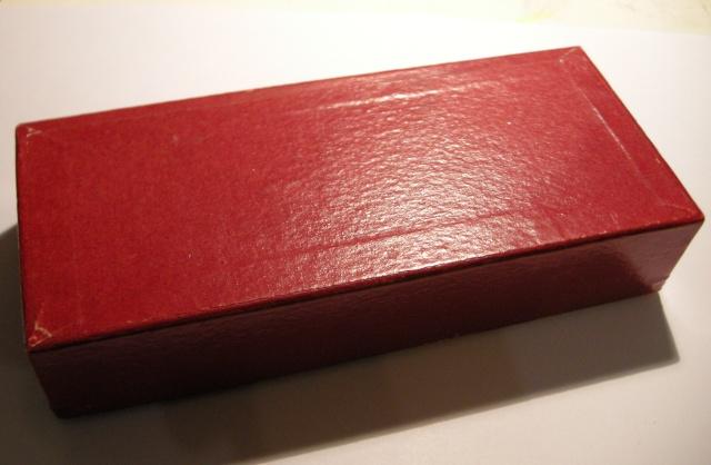 Aujourd'hui, je sors la vieille boîte rouge... Dscn9639