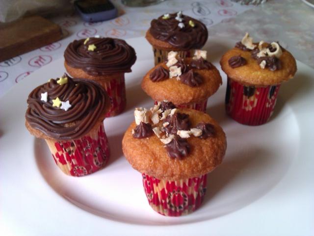 Cupcakes : recettes et décors simples - Page 4 Imag0311