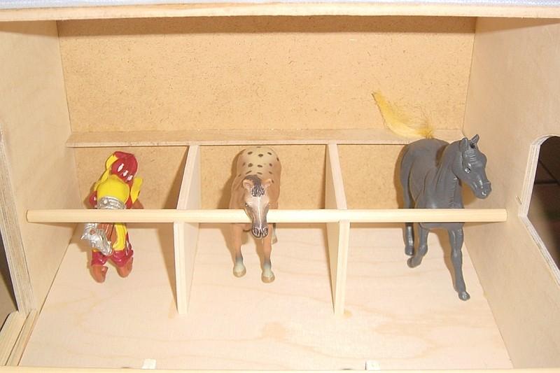 Stall für Spielzeugpferde Stallm10
