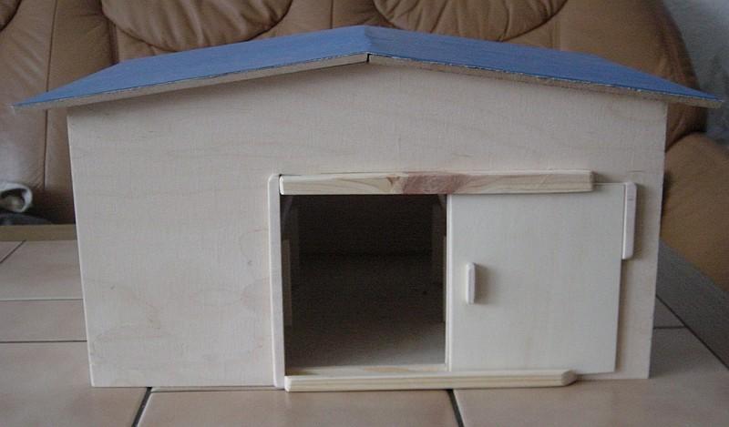 stall f r spielzeugpferde. Black Bedroom Furniture Sets. Home Design Ideas