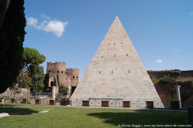 Trouvez le nom et le pays de ce monument ou ce lieu Pyrami10