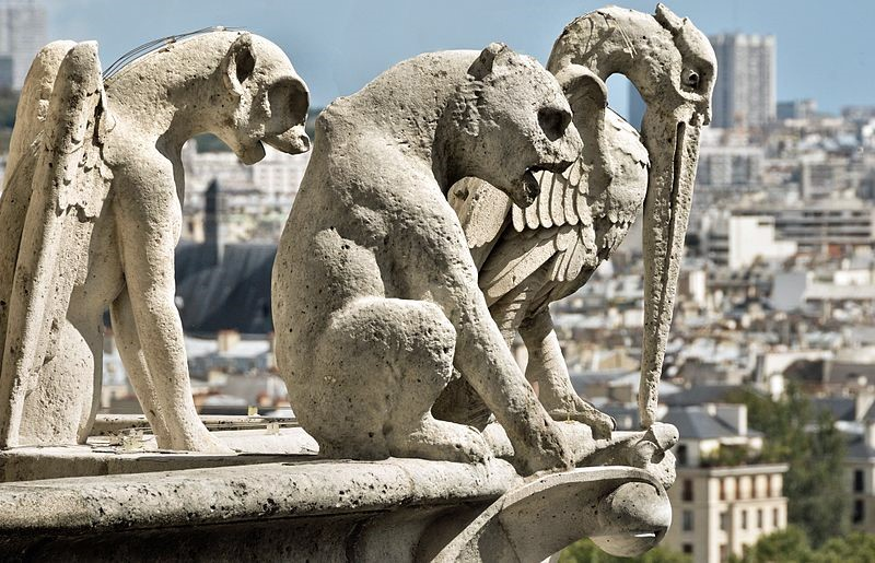 Les 7 sculptures les plus inquiétantes de Paris Statue14
