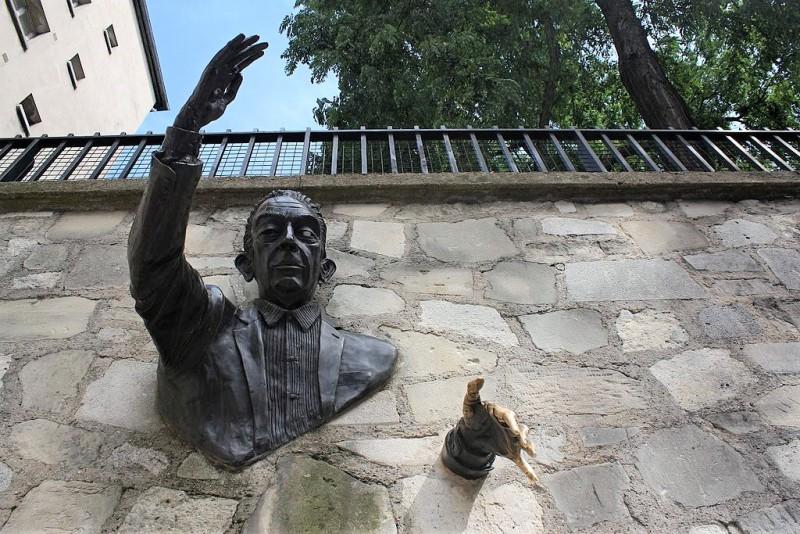 Les 7 sculptures les plus inquiétantes de Paris Statue16