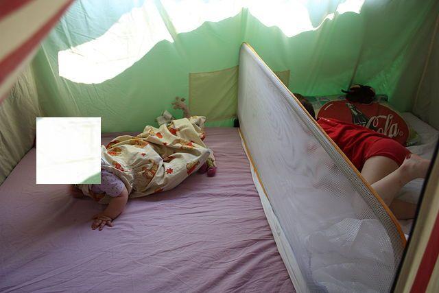 Une solution type barriere de lit pour pliante toile .... Img_2513