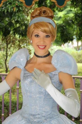 Nouvelles robes pour les princesses? 57914110