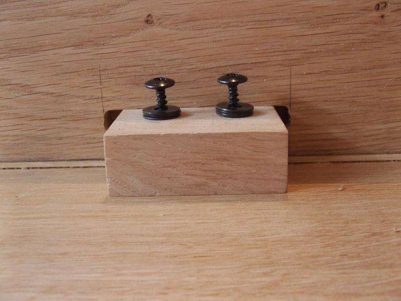 Une table de salon en chêne (premier meuble) -> PHOTOS page 8 Snb10920