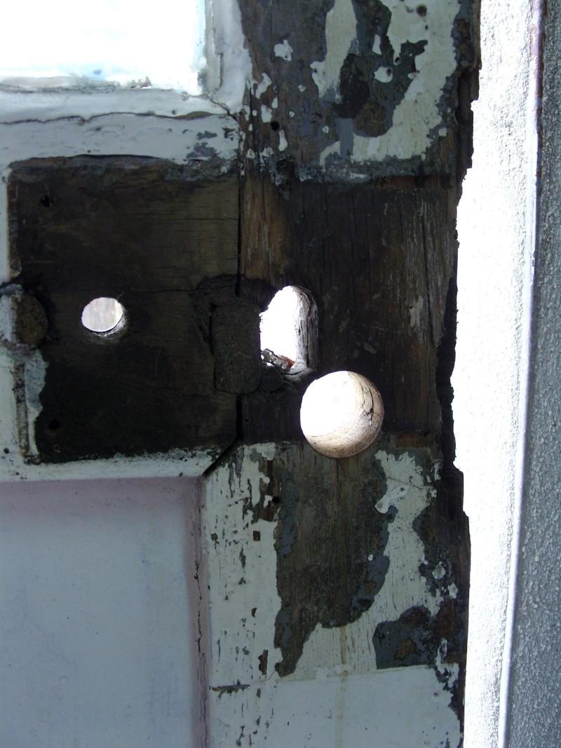 Réparation d'une porte autour de la serrure (RESOLU) Snb16611