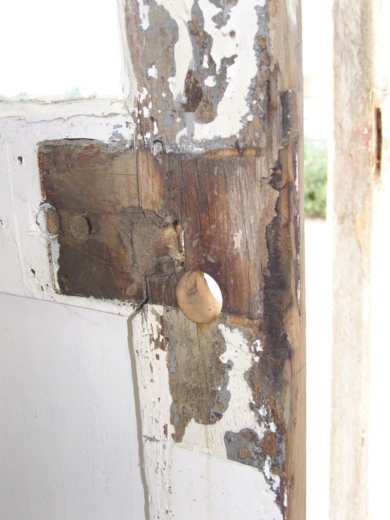 R paration d 39 une porte autour de la serrure resolu - Reparation de porte en bois ...