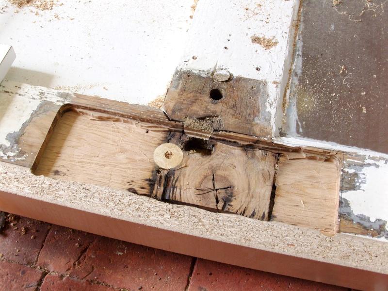 Réparation d'une porte autour de la serrure (RESOLU) Snb16714