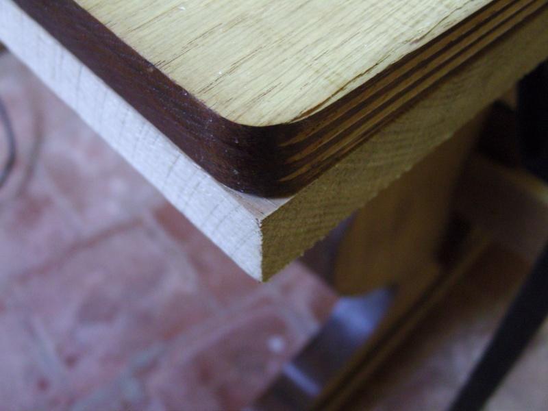 Réparation / Restauration d'une table de cuisine en pin massif Snb16953