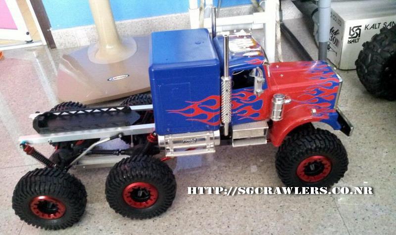 Teck's Venom Creeper 6x6 - Optimus Prime Truck! Img-2077