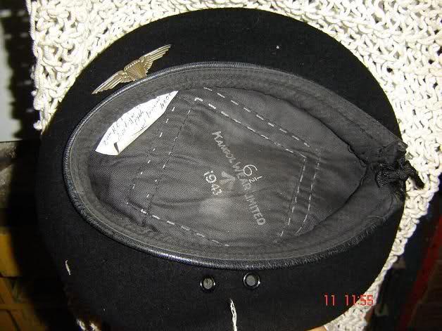 ruban noir du béret - Page 2 Beret_11