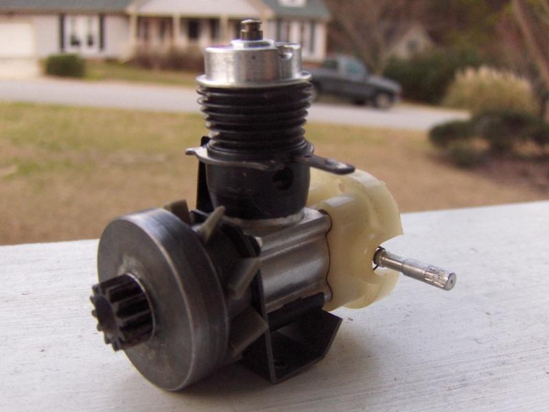 Cox .049 Car Engine with Throttle Ring Car_en11
