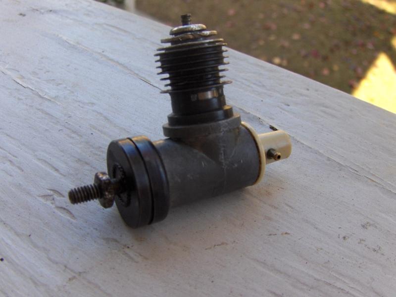 Testors/McCoy .049 Pipe Bomb Hpim8717