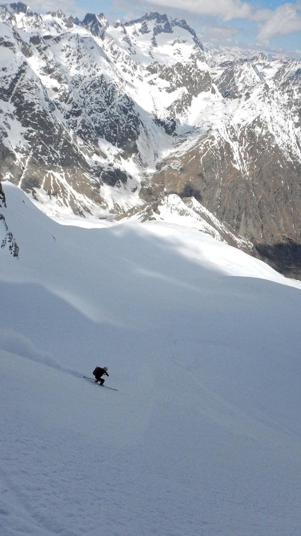 1er Mai : conditions parfaites pour un tour du Gélas... Dscn6511