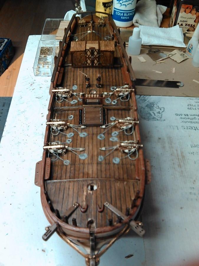 HMS HALIFAX au 1/35 de constructo  Img08711