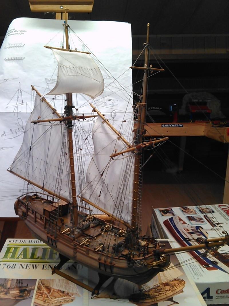 HMS HALIFAX au 1/35 de constructo  - Page 7 Img17910