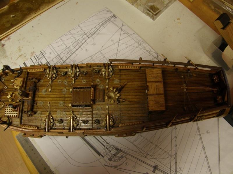 HMS HALIFAX au 1/35 de constructo  P1010047