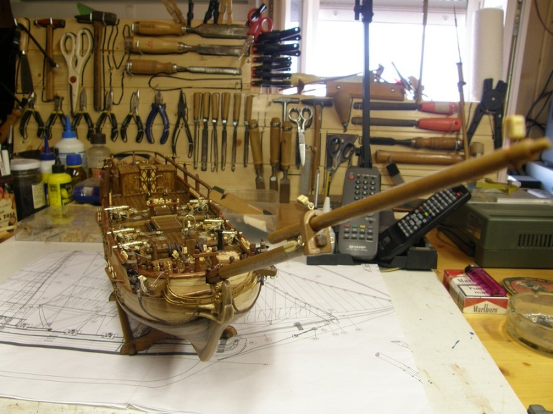 HMS HALIFAX au 1/35 de constructo  - Page 2 P1010065