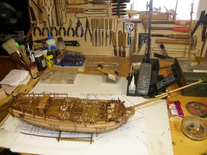 HMS HALIFAX au 1/35 de constructo  - Page 2 P1010066