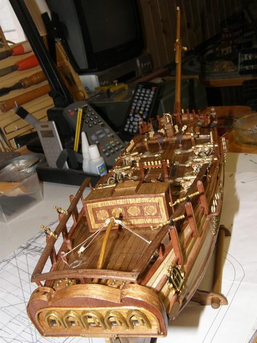 HMS HALIFAX au 1/35 de constructo  - Page 2 P1010067
