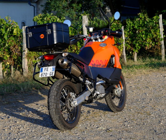 Brève rencontre avec la KTM 990 Adventure Ktm511