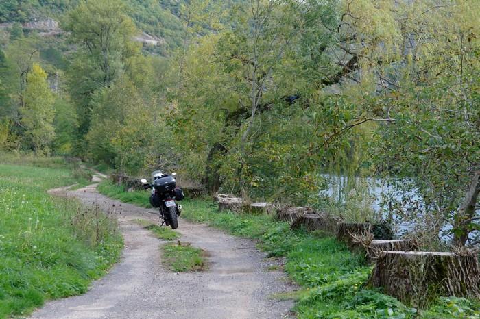 Nostalgie balkanique et bicylindre asiatique Sam_7715