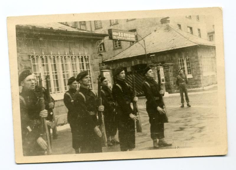 My Grandfather in the BOAR Ripon baracks 3210