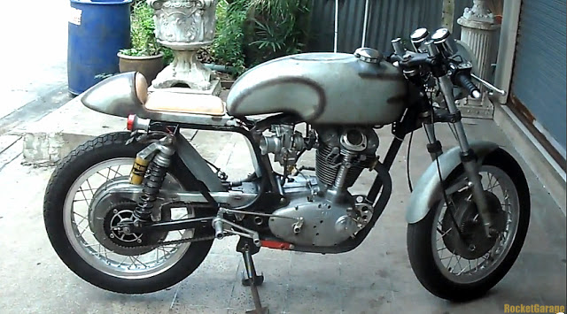 Ici on balance les Monos Ducati - Page 4 Ducati15