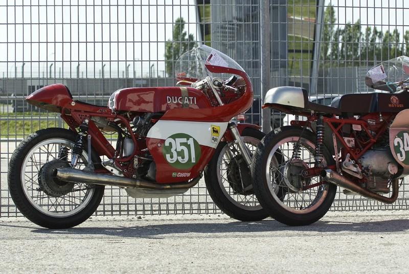 Ici on balance les Monos Ducati - Page 4 Street26