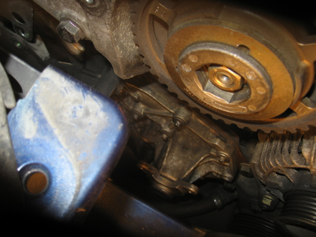[ Renault Clio II 1,9 D an 1998 ] Changement pompe à eau + distribution (résolu + tuto) Pompe_19