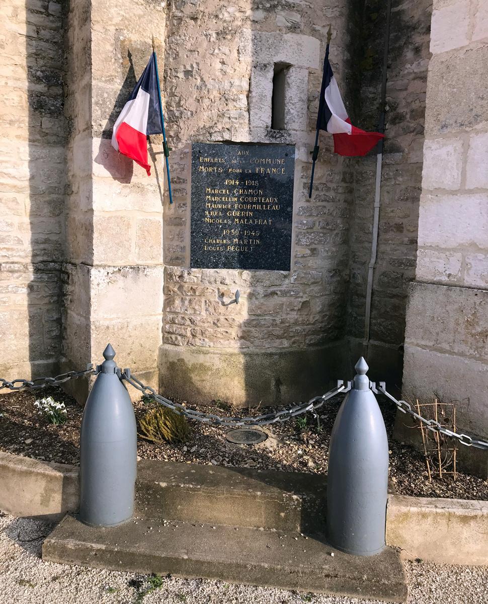 [ Histoires et histoire ] Monuments aux morts originaux Français Tome 2 - Page 15 Img_0011
