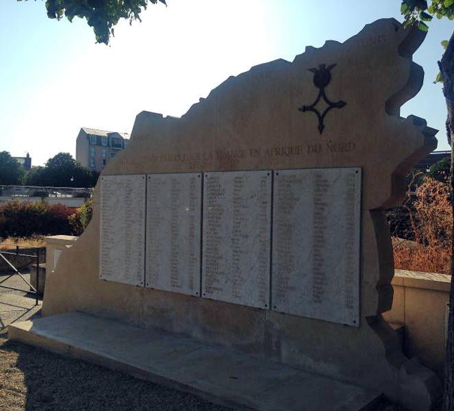 [ Histoires et histoire ] Monuments aux morts originaux Français Tome 2 - Page 12 Img_0310