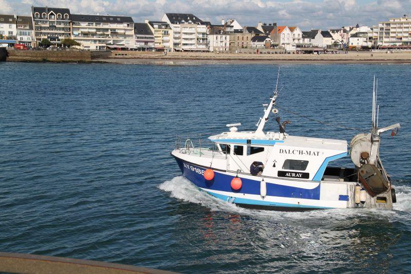 [VIE DES PORTS] Quelques bateaux de pêche (sur nos côtes Françaises) - Page 3 Le_tie11