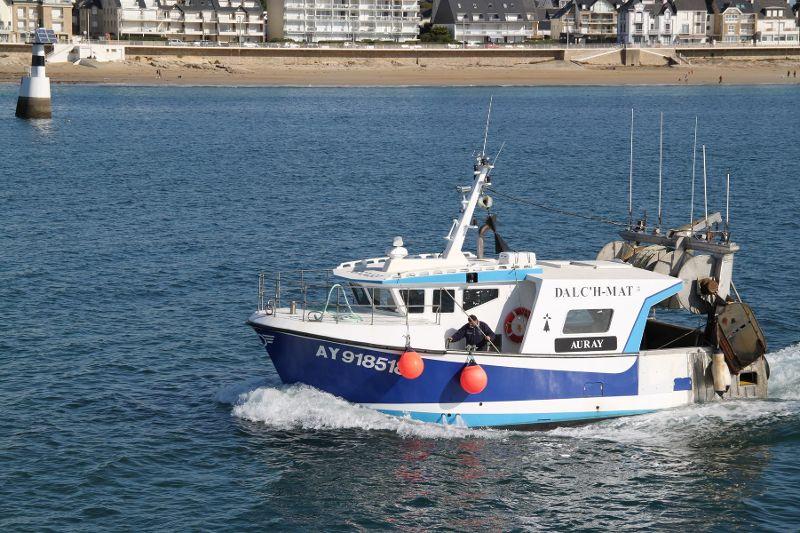 [VIE DES PORTS] Quelques bateaux de pêche (sur nos côtes Françaises) - Page 3 Le_tie12