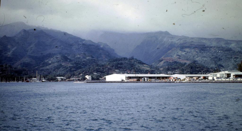 LOCUSTE (GABARE) Tahiti11