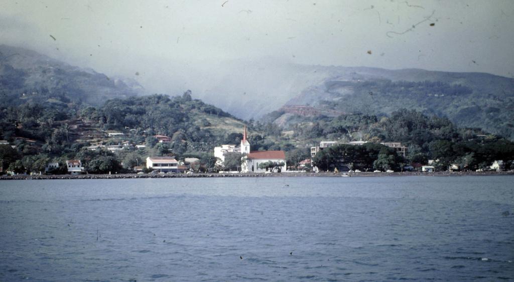 LOCUSTE (GABARE) Tahiti12