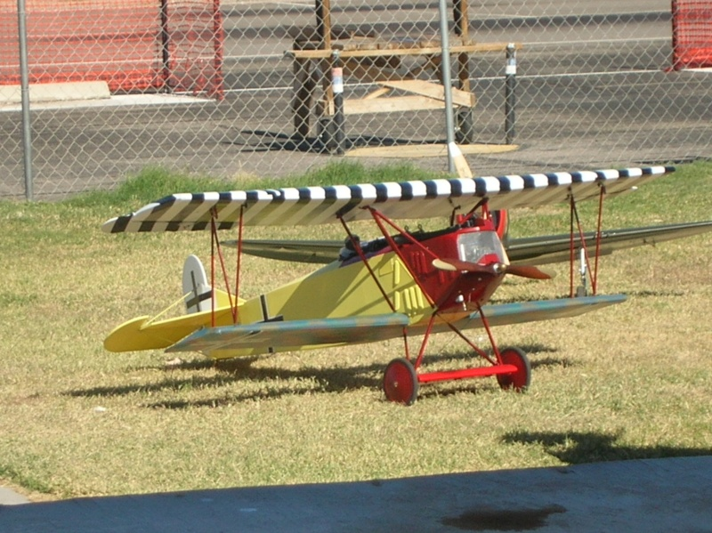 Anyone here into Giant Scale R/C Planes? Post Pics of your Planes. Dscn2411